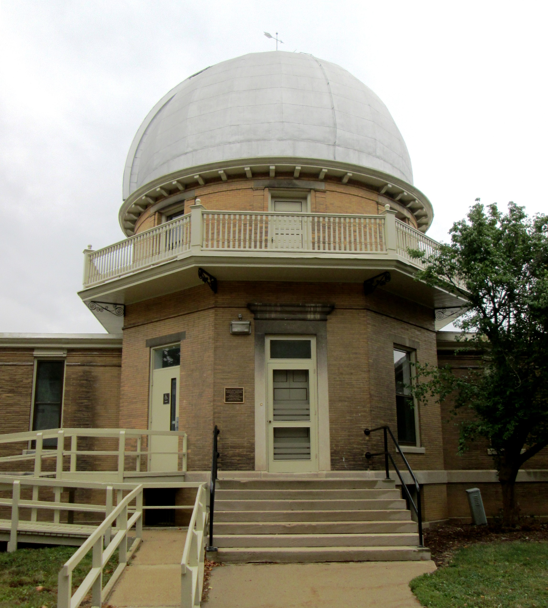 This Colonial Revival-style observatory was built in 1896 and renovated in 1956, 1966, and 1996.