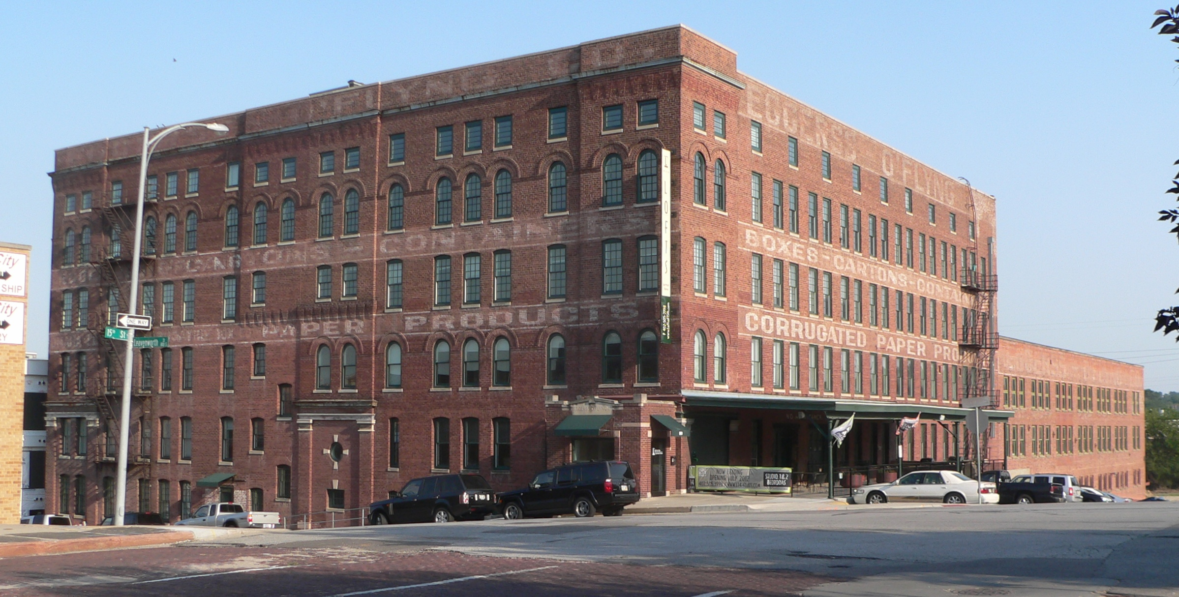 Six-story Section: Built in four phases, the largest of the building's four structures is seen in the foreground. The Eggerss-O'Flyng Company markings are clearly visible on this classic, early twentieth-century warehouse.