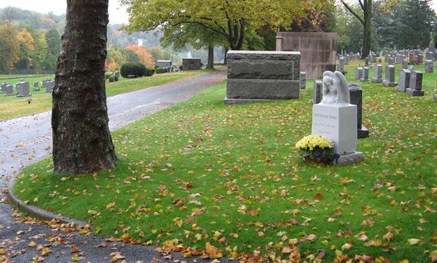 Bancroft's grave