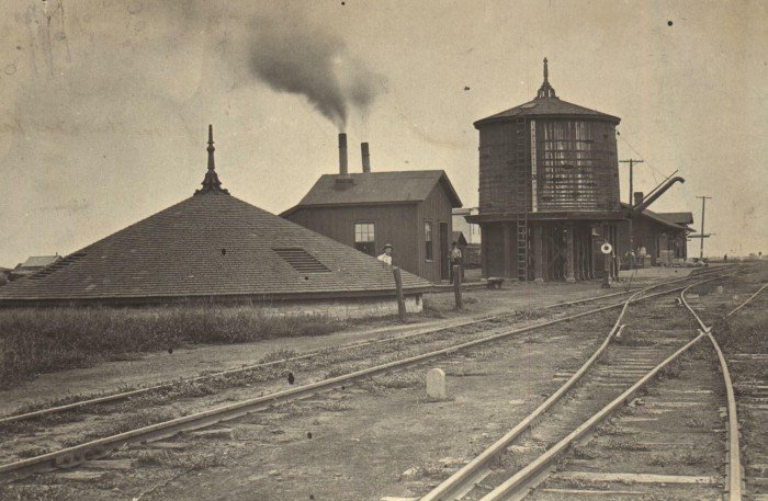 Well, pump house, and water tank at Edmond, 1889 (image from Edmond Historical Society & Museum)