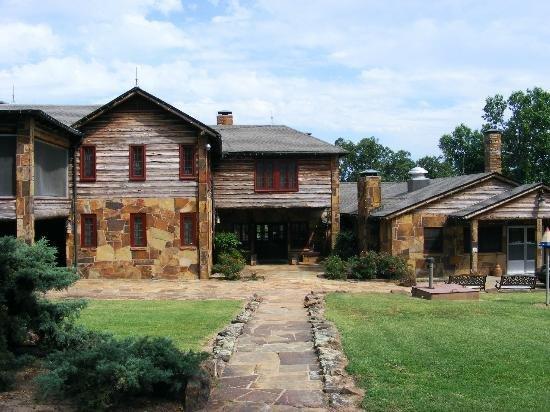 Frank Phillips' Woolaroc Lodge (image from Trip Advisor)
