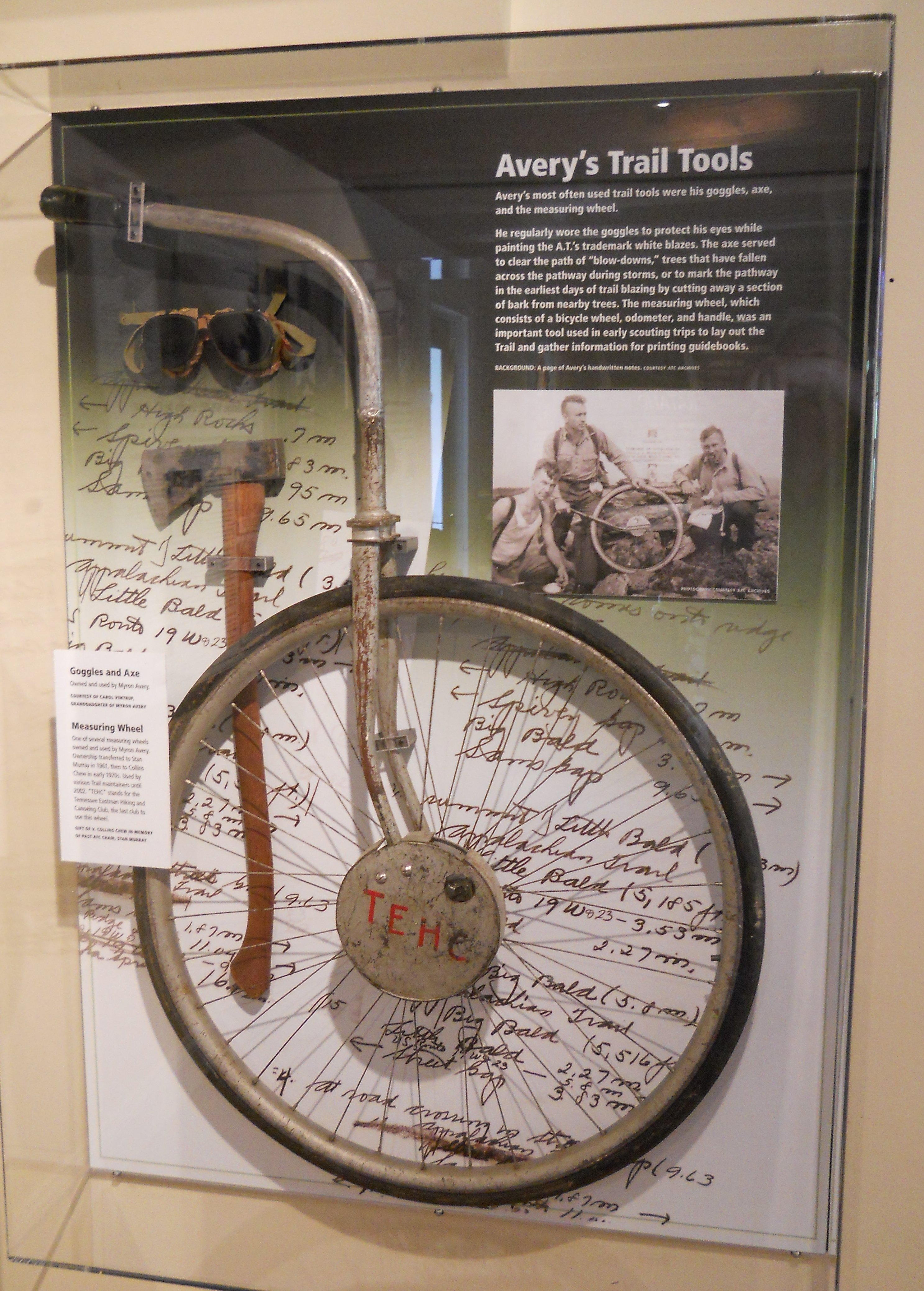 A measuring wheel used to determine the distance of the A.T.