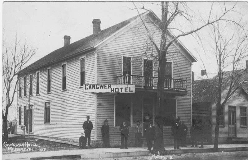 Hotel in 1906 was being operated by James S. Gangwer.