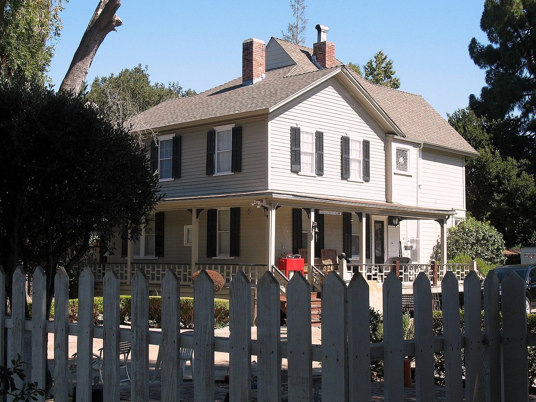 Galindo-Leigh House (photo taken: September 30, 2012)