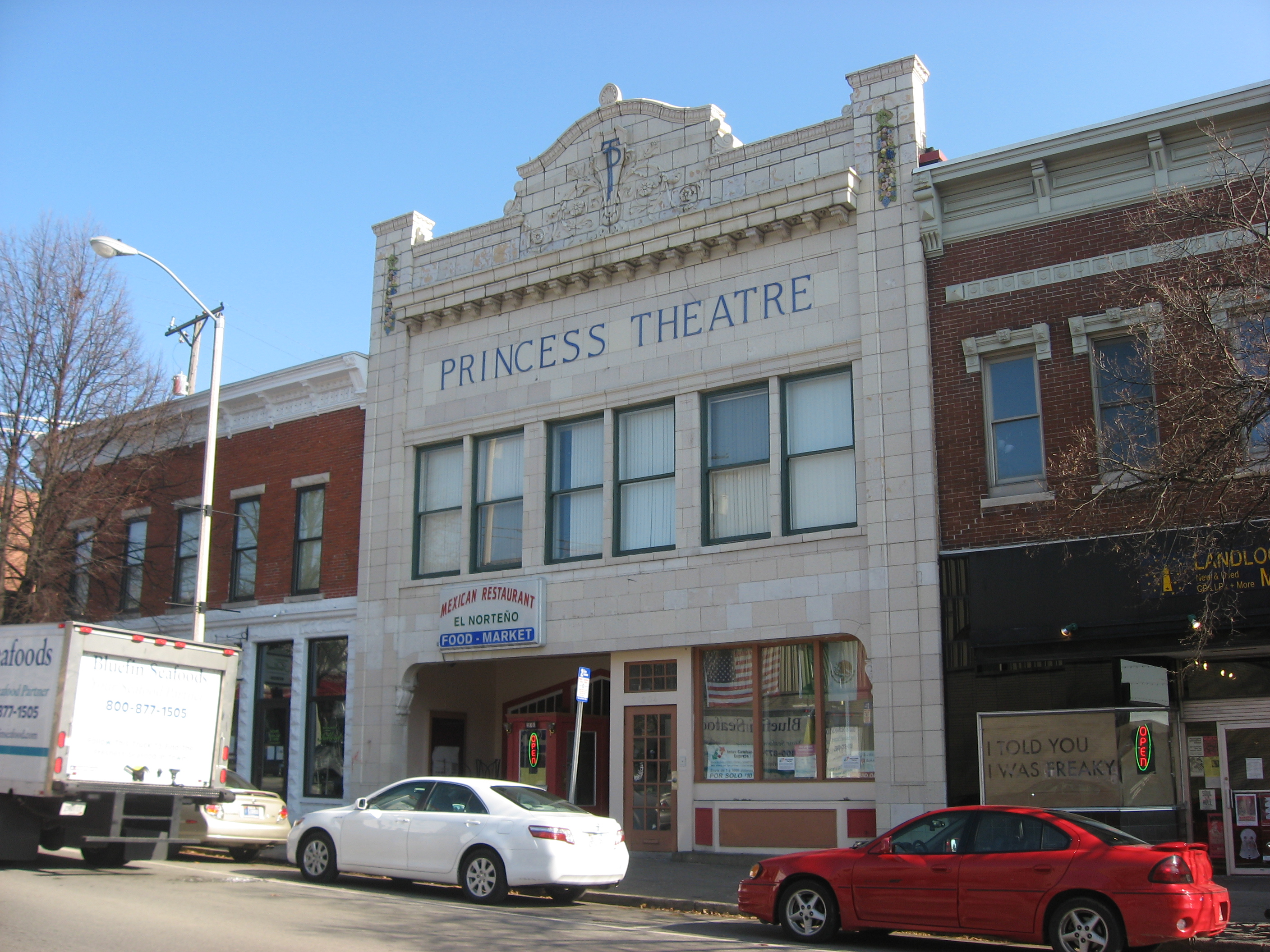 After the collapse of the auditorium, most of what truly remains of the Princess Theatre is represented by it's glazed white terracotta facade. The building was designed by firm Nichols & Nichols.