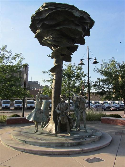 Sculpture, Art, Nonbuilding structure, Statue