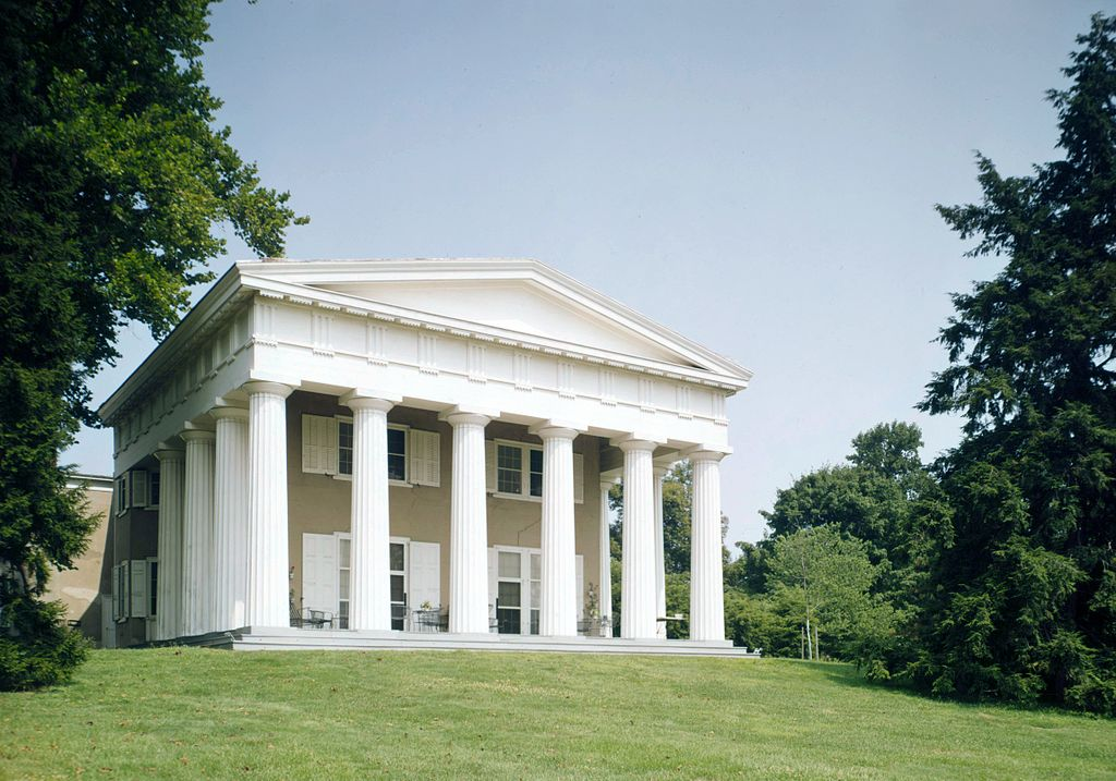 The mansion was built in 1794 by John Craig, who gave it the name Andalusia, after the Andalusia region of Spain.