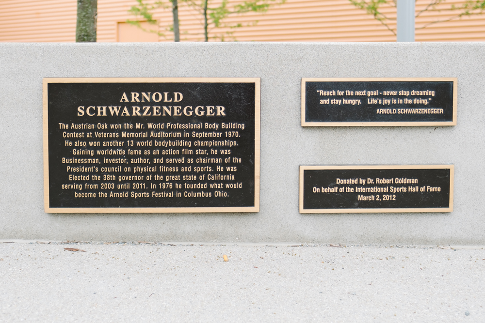 The statue includes a plaque that describes Schwarzenegger's relationship to the city.