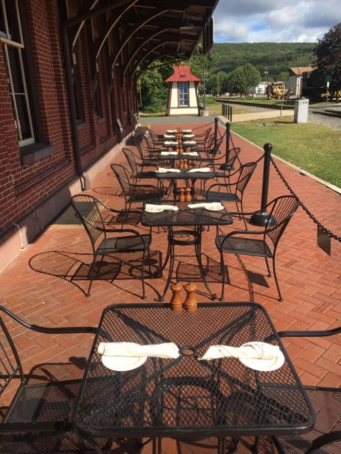 The restaurant offers outdoor seating.
