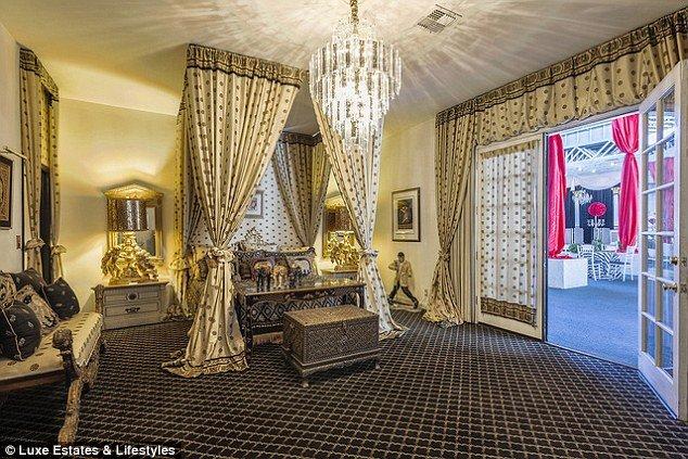Hartland Mansion interior