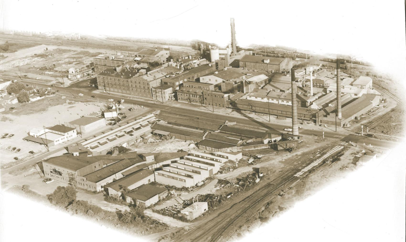 The sprawling Standard Ultramarine & Color Co. plant in Huntington