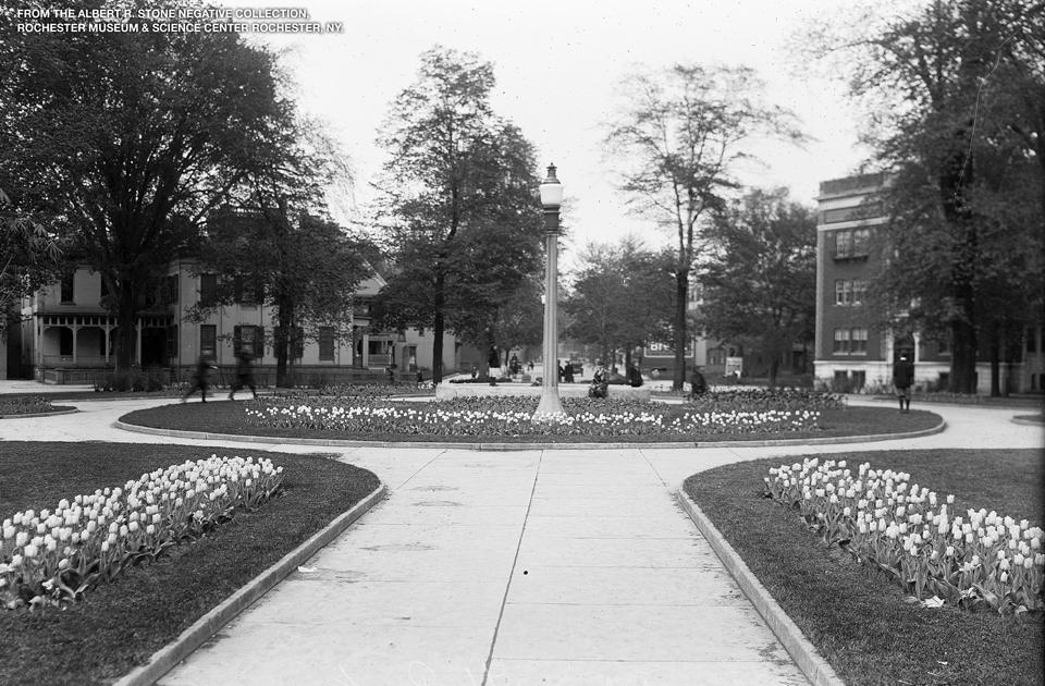 Plymouth Park in 1915. (http://media.democratandchronicle.com/retrofitting-rochester/plymouth-park).