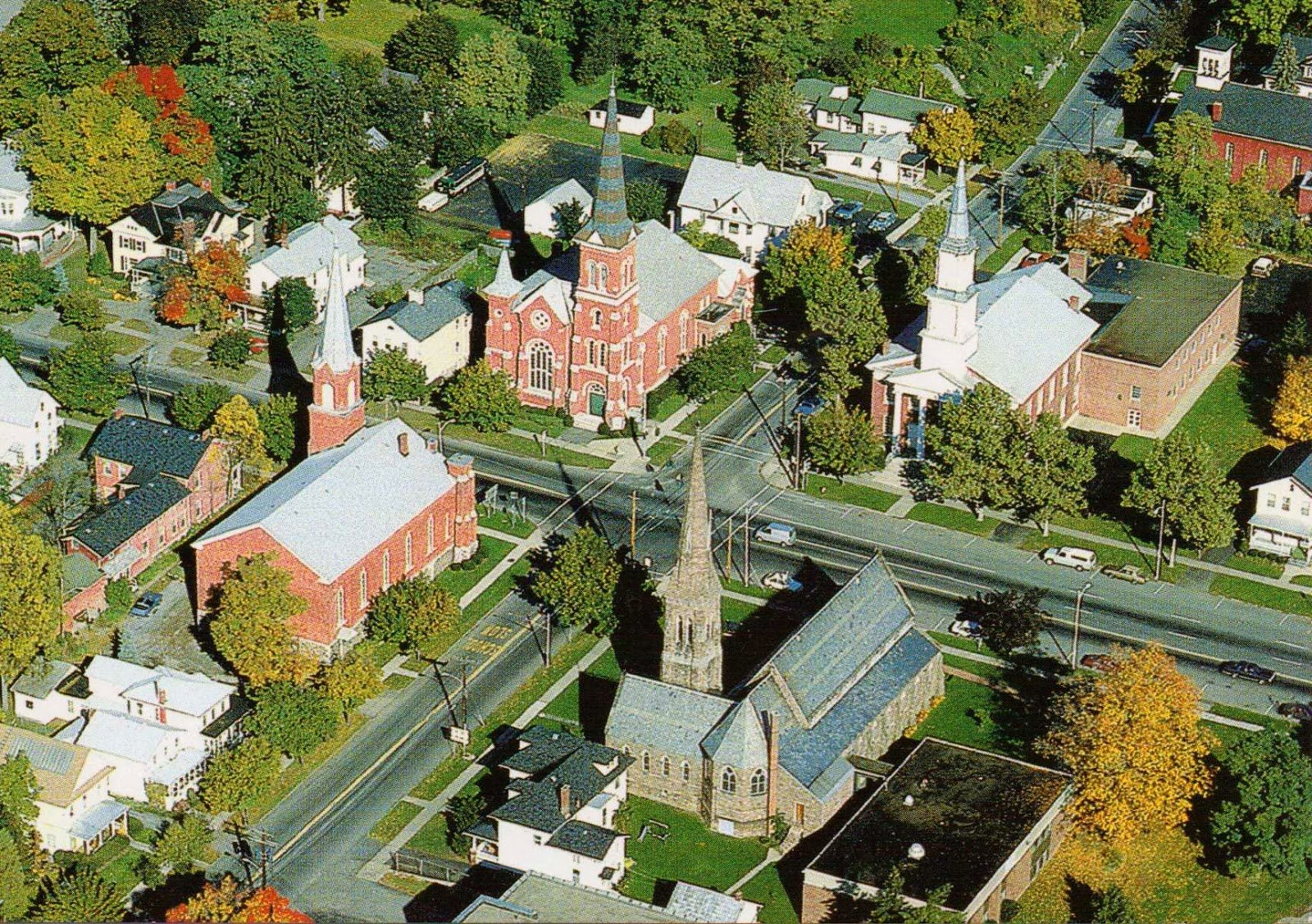 A birds-eye view of Palmyra's four historic churches (https://theothernewyorkststate.blogspot.com/2014/01/palmyra-ny-four-famous-churches.html)