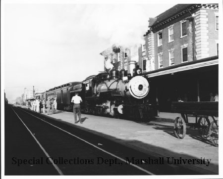 C&O Railroad's Guyan Valley Local, 1952