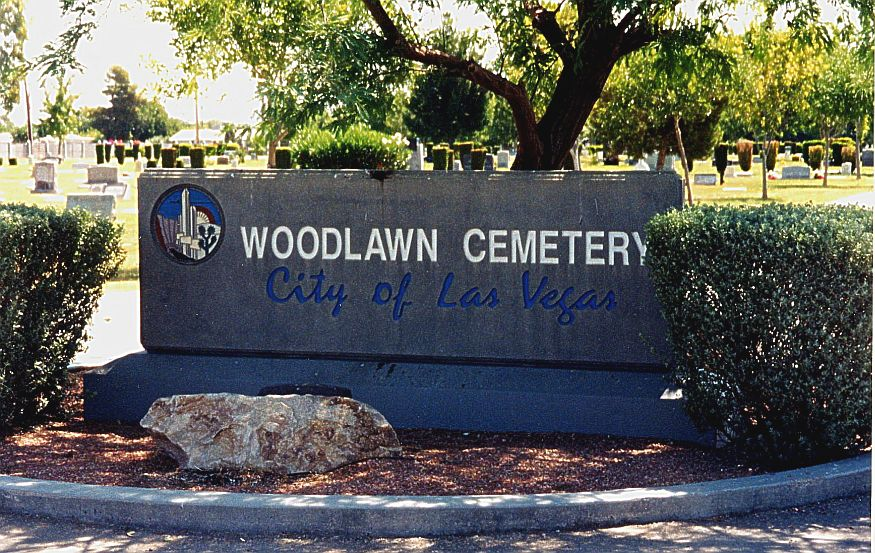 Entrance to Woodlawn Cemetery