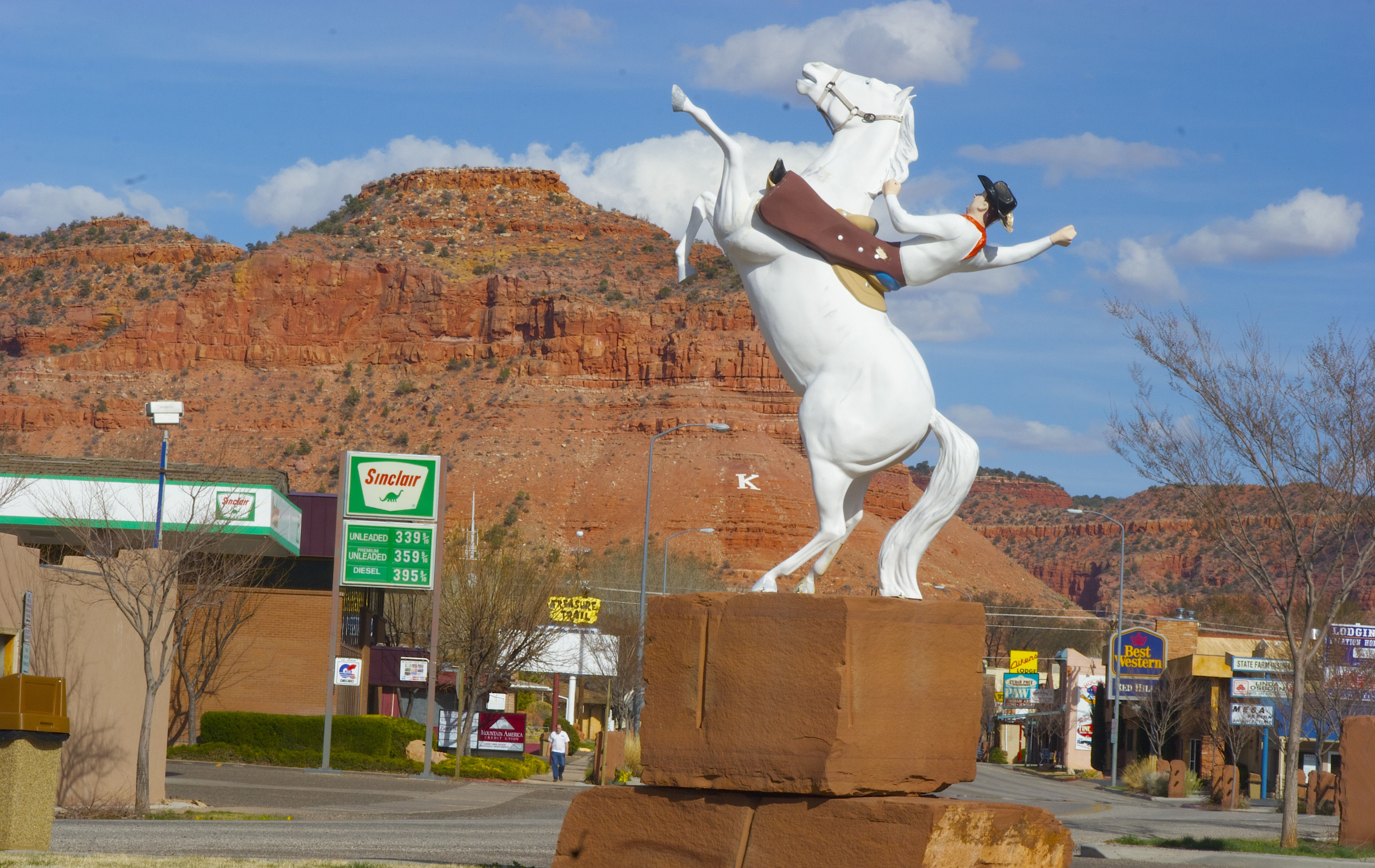 Cowboy statue in Kanab, a nod to its association with Western films. Photo from the Kane County Office of Tourism.