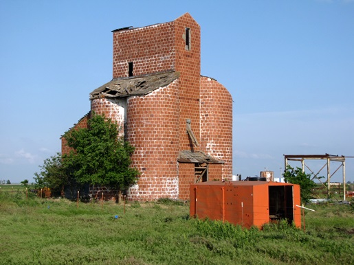 The Ingersoll Tile Elevator, constructed from hollow red tiles.