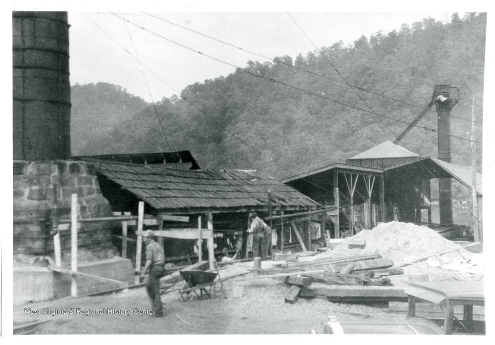 Shed, Smokestack and Grainer in Salt Camp