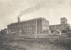 Historic photograph of the Great Western Sugar Beet Factory. Photo from Fort Collins History Connection.