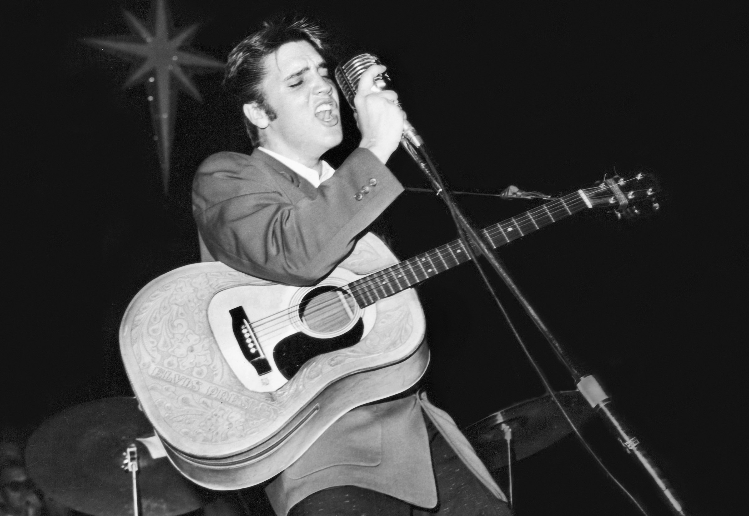 Elvis Presley with his Martin D-28 model