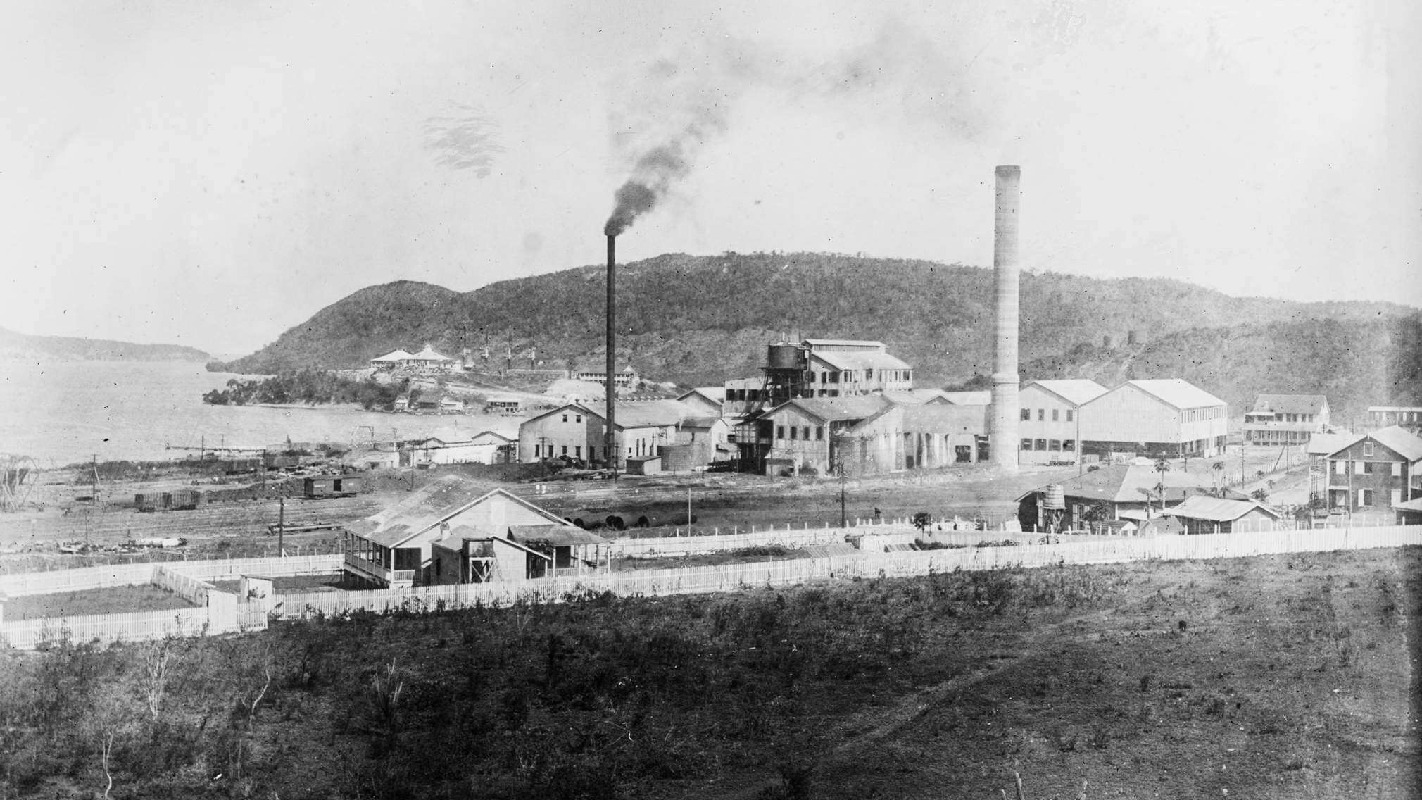 The growth of the Puerto Rican sugar industry began to falter in the 1910s due to the threat of free market in the U.S. after the passage of the Underwood-Simmons Act in 1916.