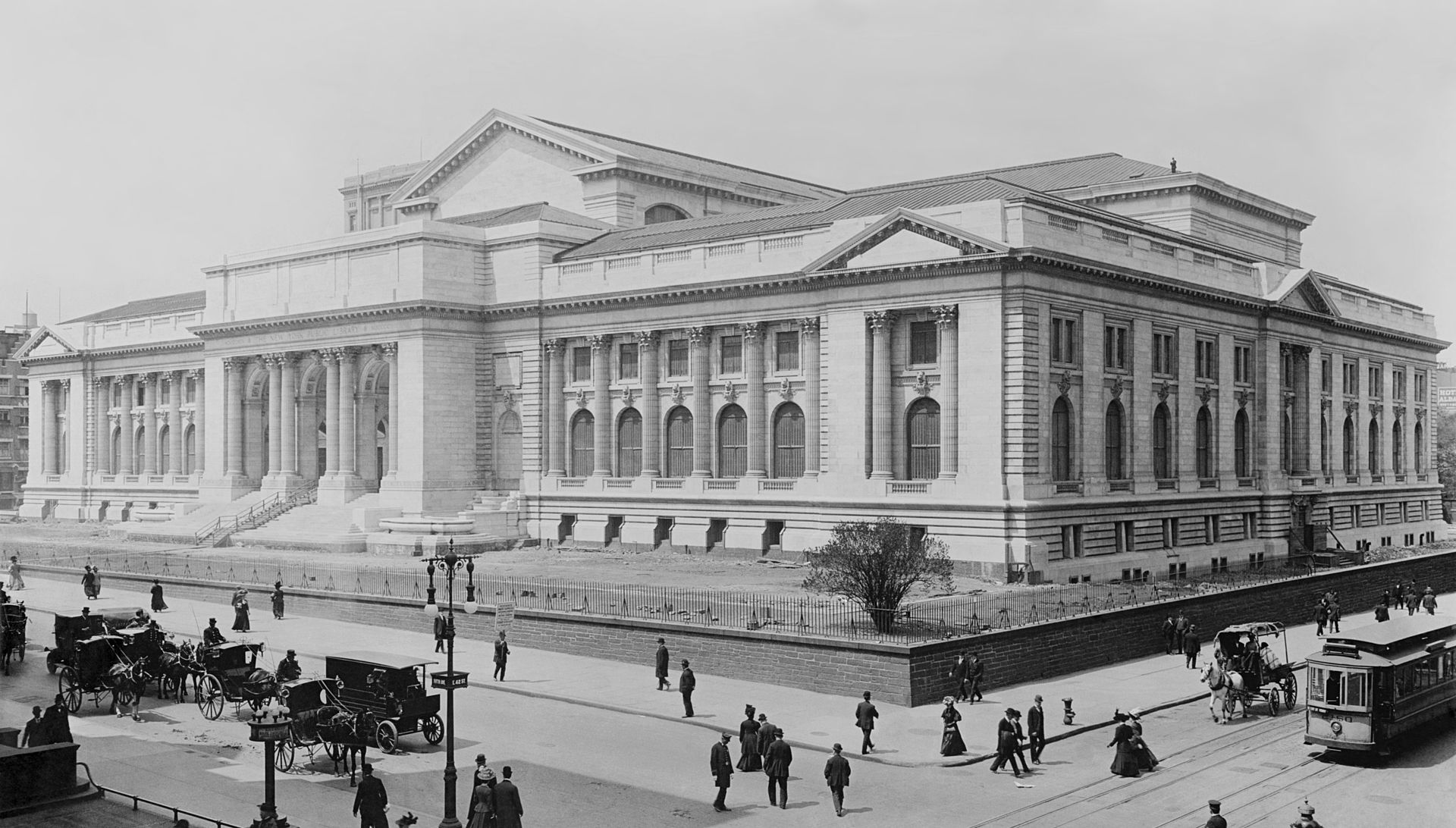 New York Public Library in 1908. Anne Carroll Moore worked in the Children's Room from 1906 to 1941.