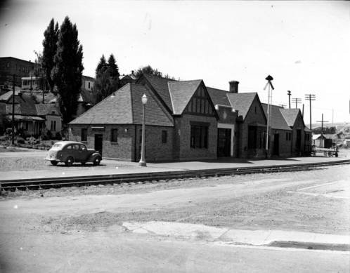 Cougar Depot on August 5, 1940, taken by R.R. Hutchison. Courtesy WSU Special Collections.  http://content.libraries.wsu.edu/cdm/singleitem/collection/hutchison/id/80/rec/1