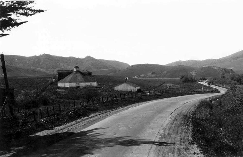 Octagon Barn shown from the north along Higuera Street in 1928