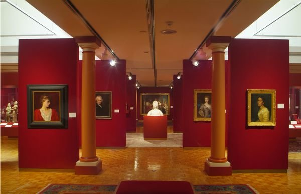 Gallery in the museum (image from Smithsonian Magazine)
