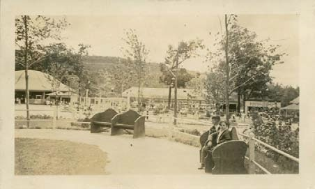 Lakewood Park in the 1930s and 40s. The Carousel Pavilion to the left. Collection of City of Waterbury, Silas Bronson Library Digital Pictures.