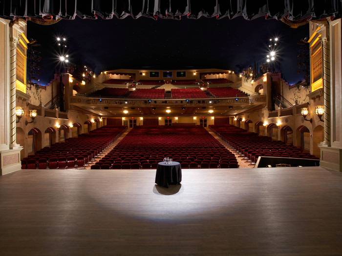 The main theater hall features 2,050 seats.