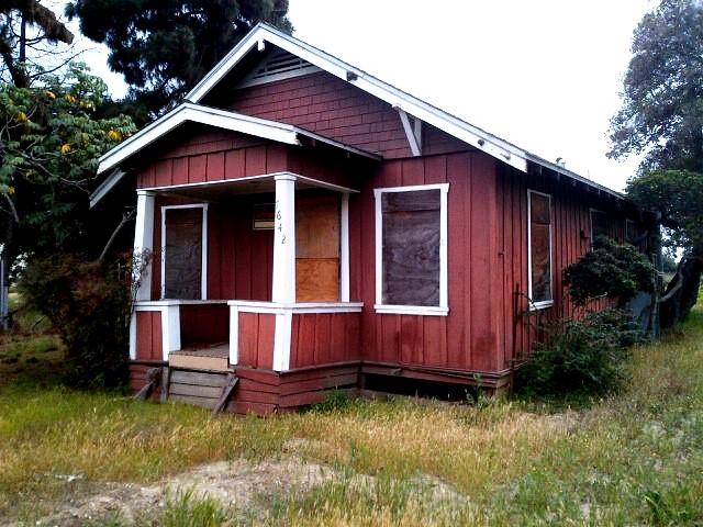 Charles Mitsuji and Yukiko Yajima Furuta bungalow, 2014, Huntington Beach, California.