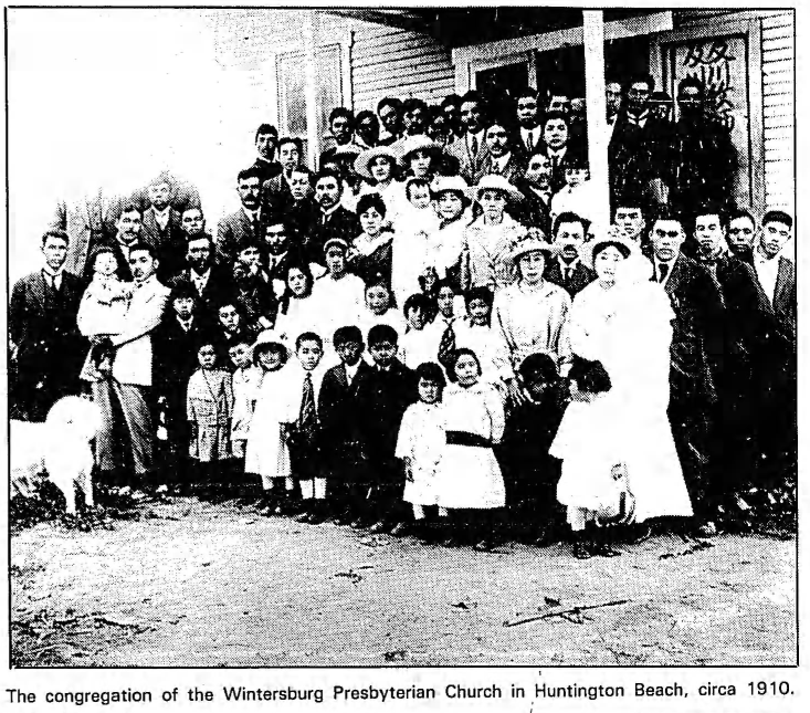 Congregation of the Wintersburg Japanese Mission, circa 1910. Source: Los Angeles Times, September 2, 1984.