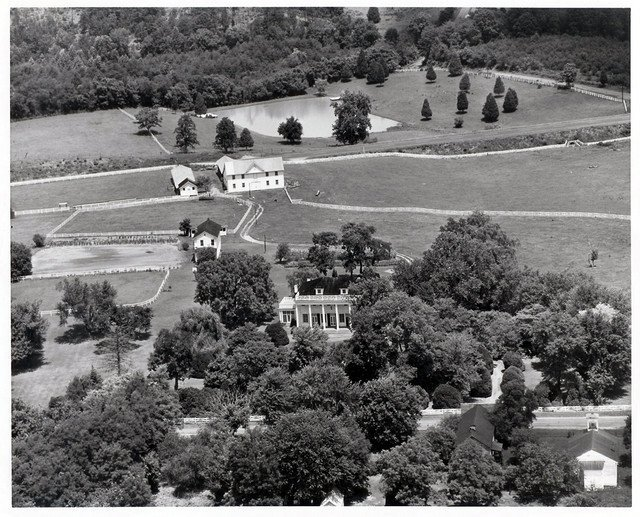 Aerial photo from 1956. From Friends of New London Library.