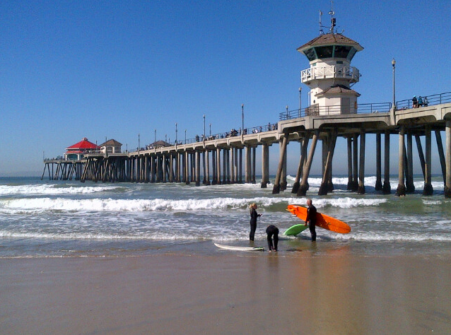 Huntington Beach Pier. (2014, M. Urashima)