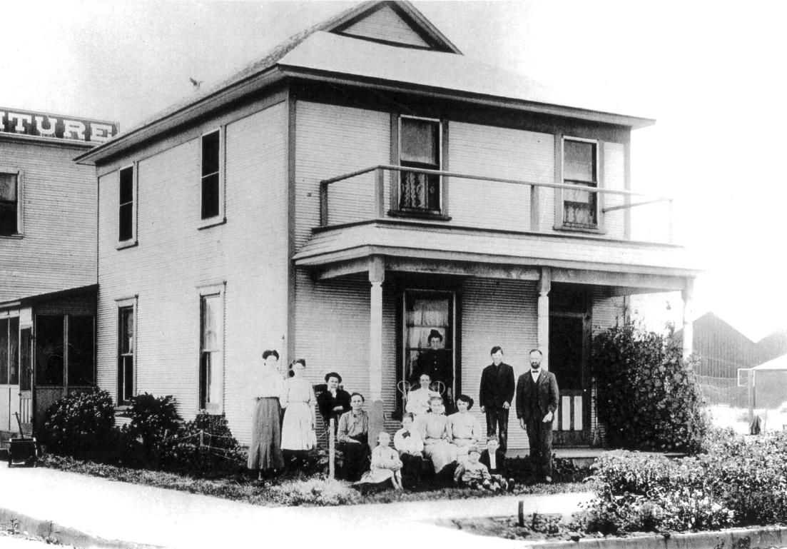 Helme-Worthy House, circa 1904. Source: City of Huntington Beach archives.