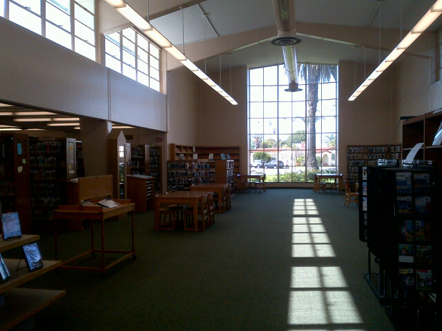 The reading room of the Main Street Branch Library. Source: M. Urashima, April 2014.