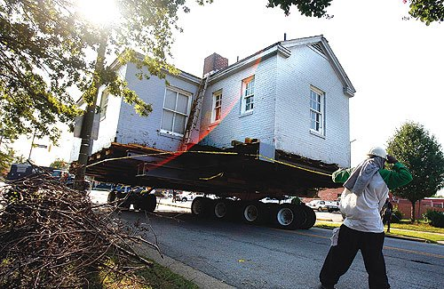 The Portsmouth Colored Community Library moving to its current location.