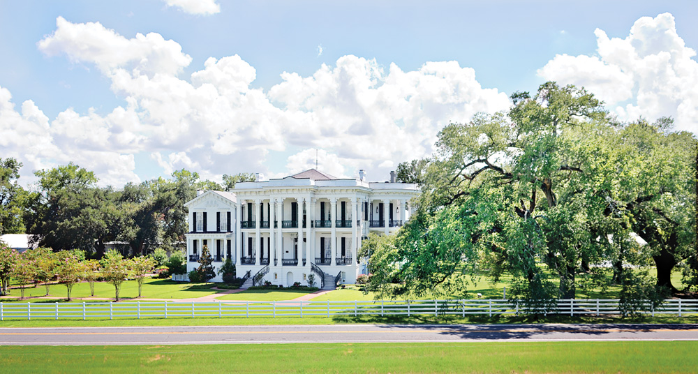 Panorama of the Nottoway Plantation & Resort. Credit: Nottoway