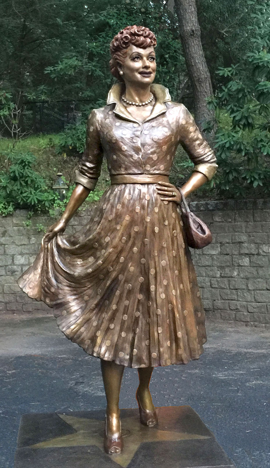 Full view of Carolyn Palmer's Lucy statue.