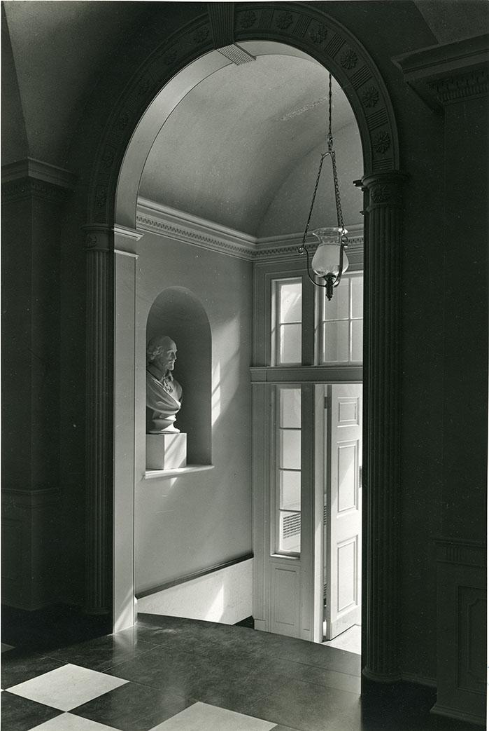 Bulfinch Hall, entry. Photograph by Samuel Gottscho