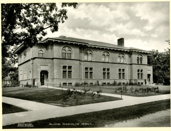 Shevlin Hall in 1908, two years after its construction