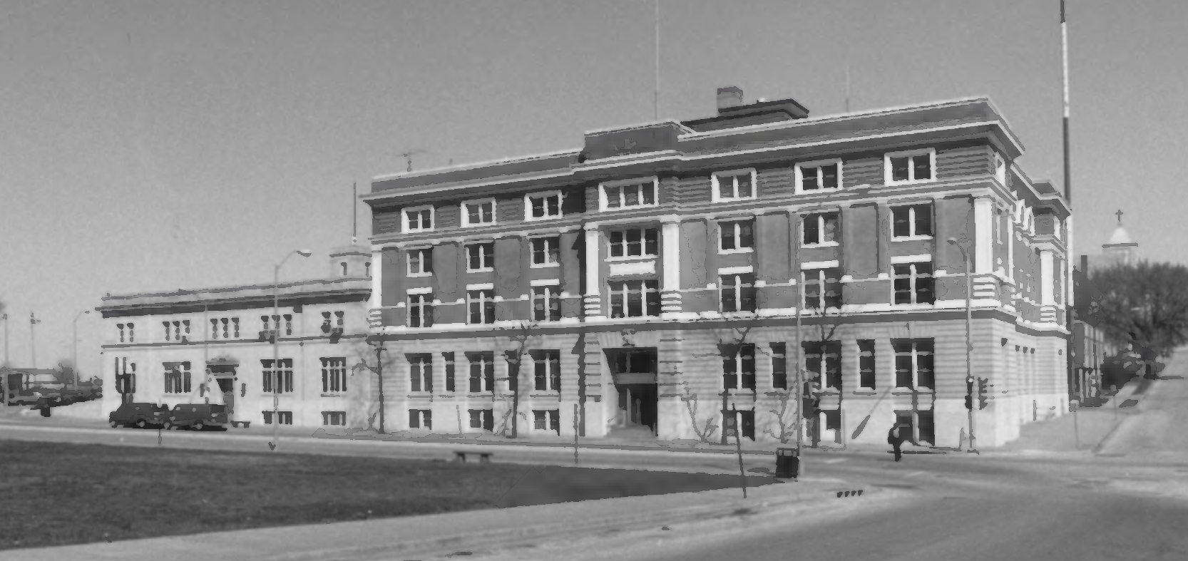 1985 View of the City Hall & Fire Headquarters