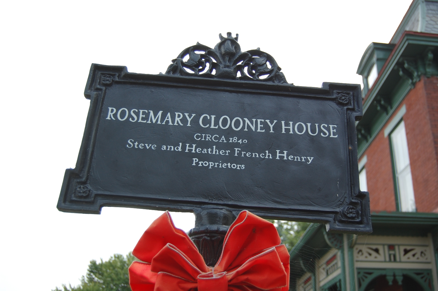 A sign marking the Rosemary Clooney House.