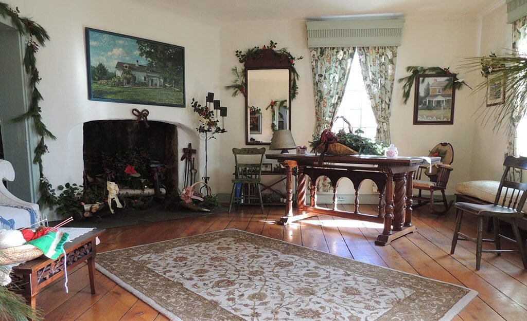 The tavern's sitting room has been filled with period furnishings and accessories.