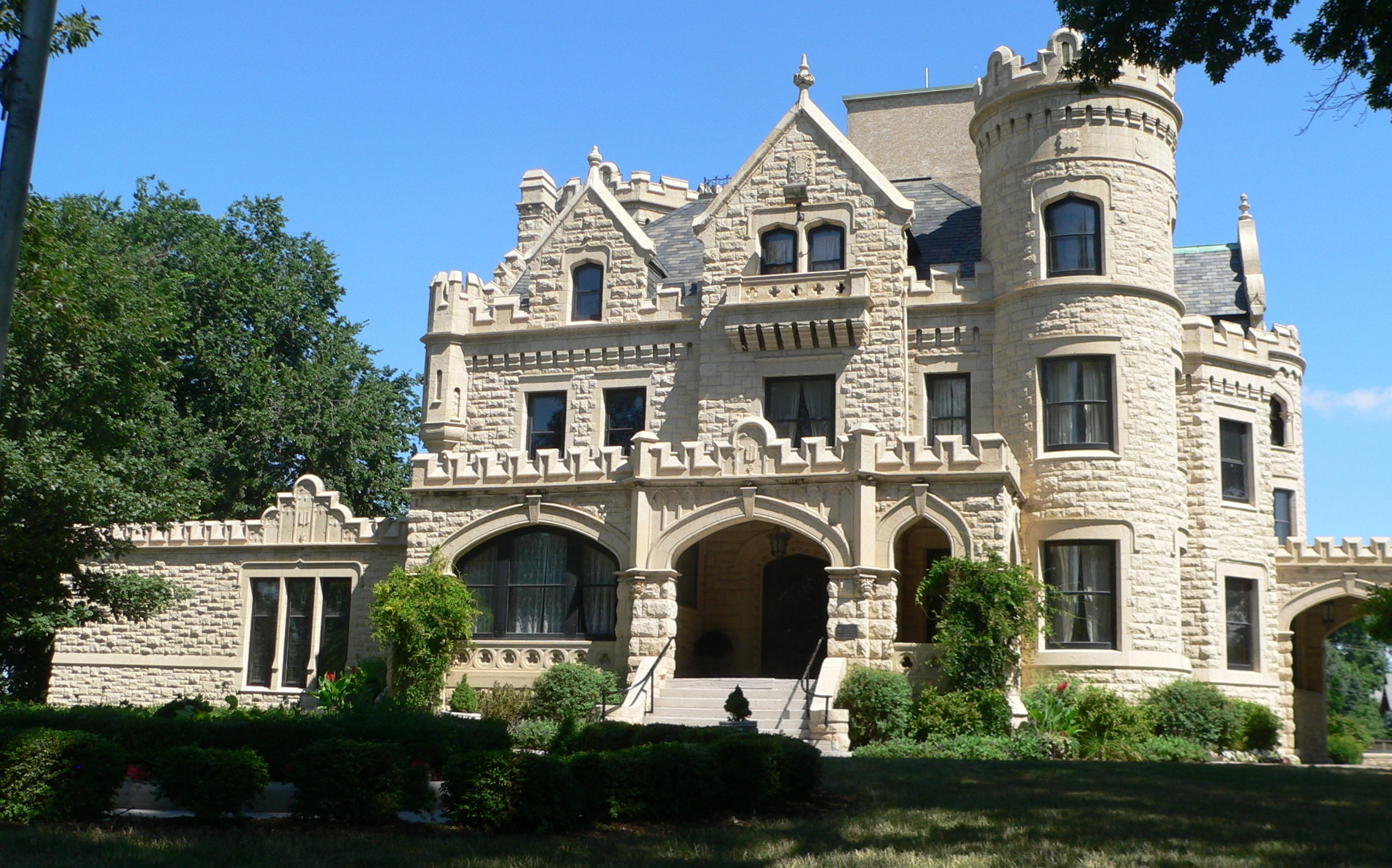 Joslyn Castle from the front
