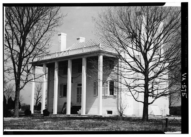 Photograph of front of Effingham Manor in 1959 from HABS documentation