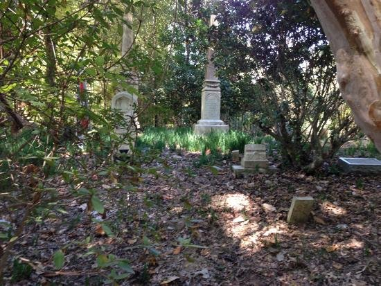 Today, visitors at Mount Locust can see the cemeteries that hold the resting places of the Ferguson-Chamberlain family and the slaves that worked on the property.