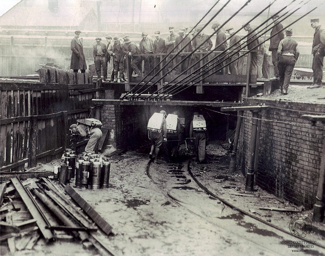 A group of rescuers going into the mine in 1924.