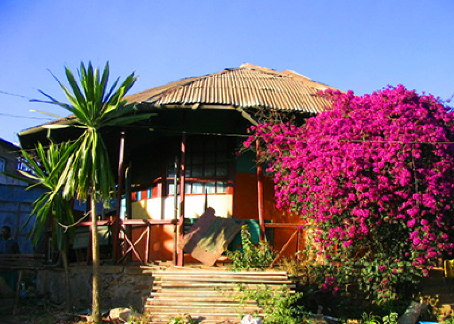 fred Ilg Residence/Arenti Ashakian Photo: Addis Woubet 2006